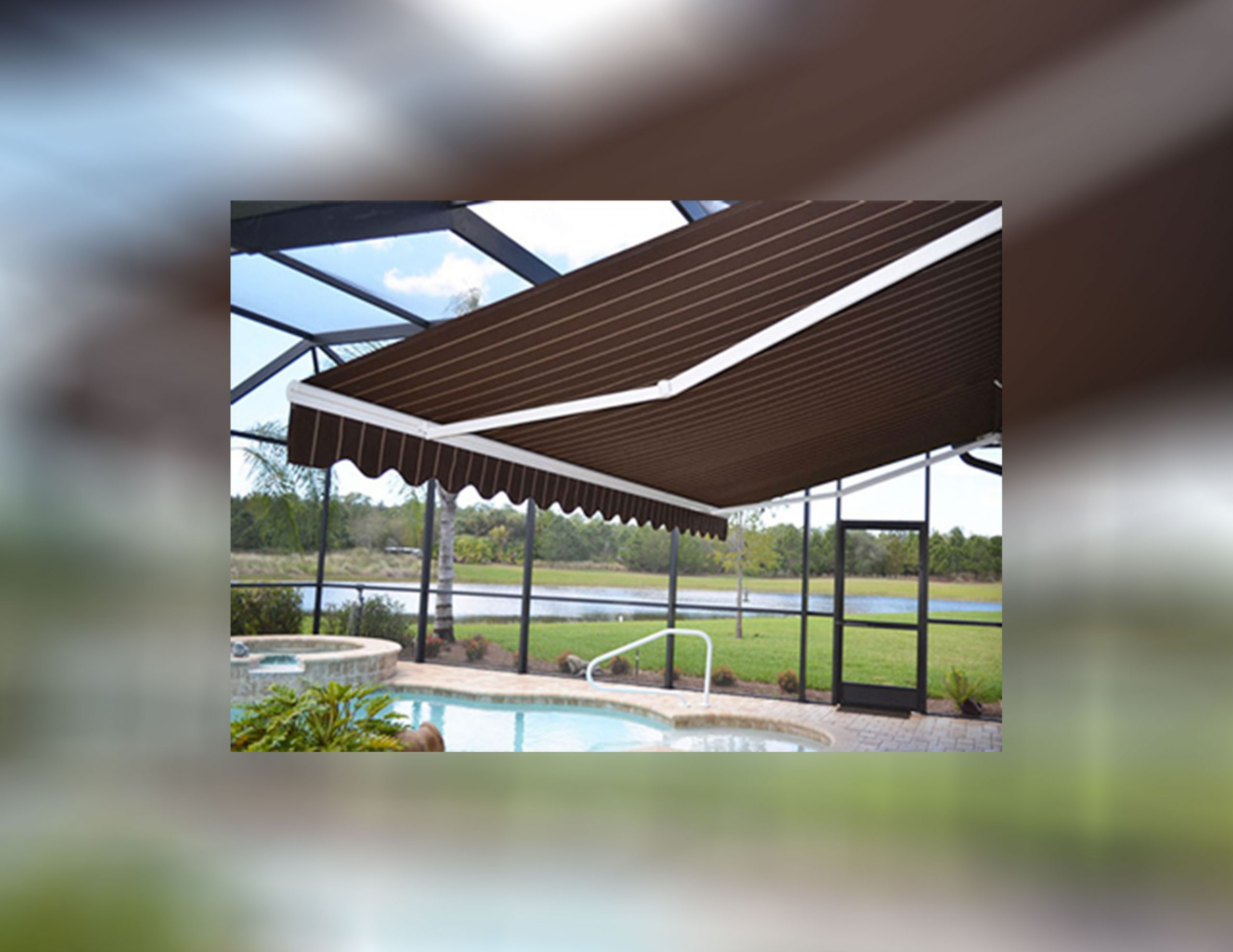 Why a Retractable Awning is Necessary for your Business in Naples